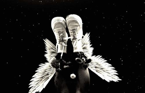 Albumomslag White Sneakers